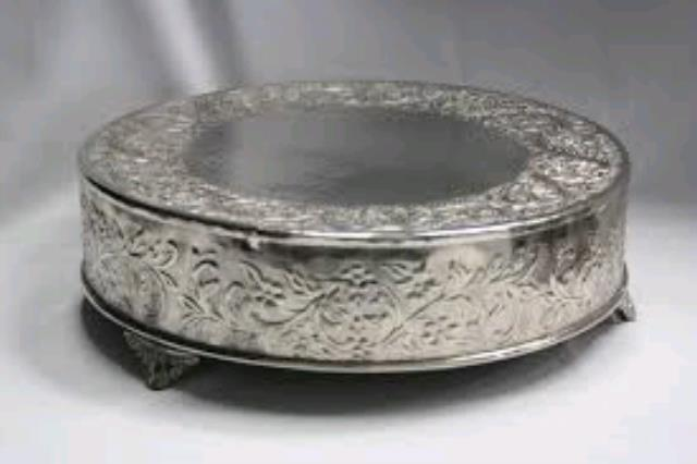 Where to find SILVER CAKE STAND - ROUND in Orange County
